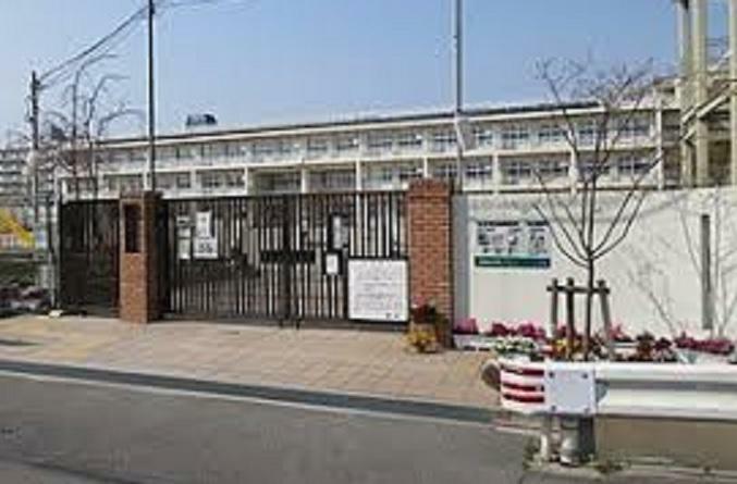 小学校 尼崎市立上坂部小学校まで552m 徒歩7分
