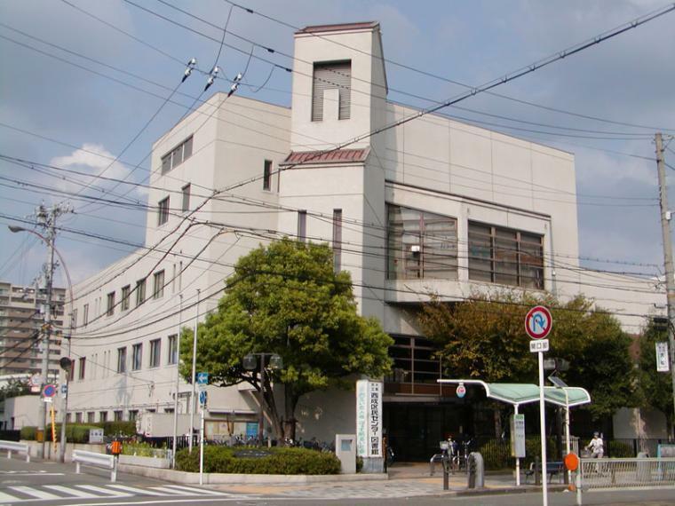 図書館 大阪市立西成図書館 大阪府大阪市西成区岸里1-1-50