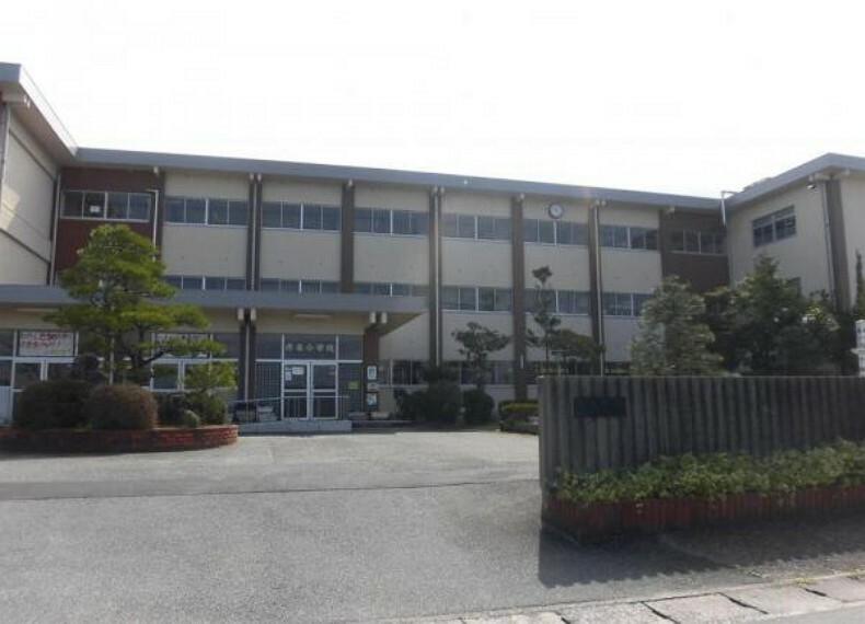 小学校 【近隣施設】彦名小学校まで約1000m(徒歩13分)です。お友達とおしゃべりしながら登下校するのが楽しみですね。