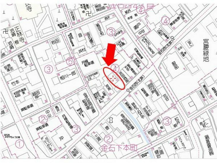 土地図面 【道案内】金沢信用金庫金石支店様の斜め向かい、時計うねだや様の向かいに位置しております。道路より少し奥まっているため、通り過ぎやすいのでご注意ください。