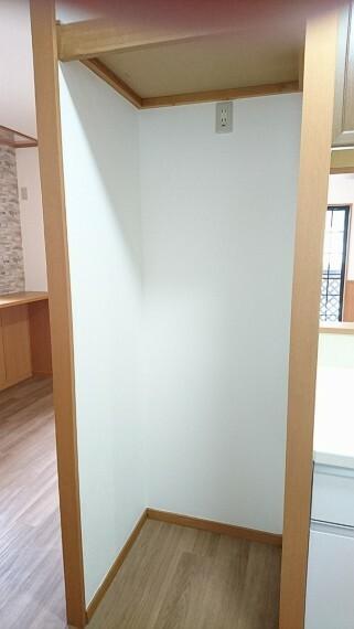 キッチン 冷蔵庫置き場