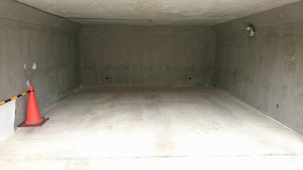 駐車場 堀込車庫