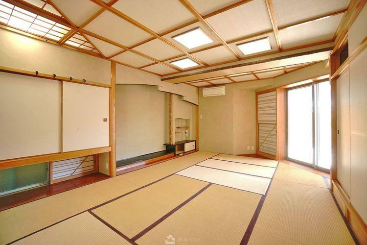 寝室 和室はふすまを開放して、リビングの一部としてご利用頂けます。