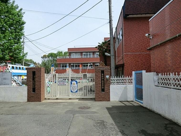 幼稚園・保育園 鶴川幼稚園 距離約900m