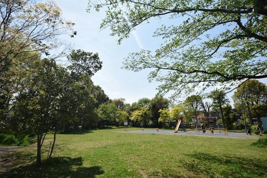 公園 みんなの丘公園 距離約120m