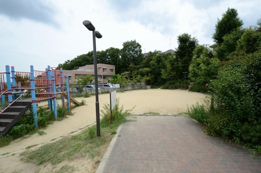 公園 【公園】中筋山手7丁目公園まで202m