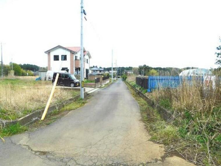 現況写真 前面道路は幅員約4.8mございます。
