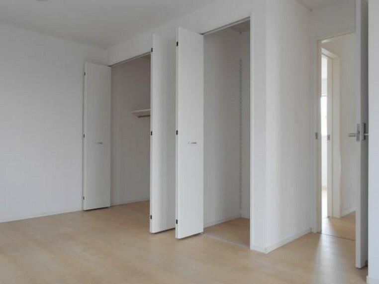 【洋室】全洋室にクローゼットを完備。居室空間を最大限に使えるゆとりの快適スペースを実現。