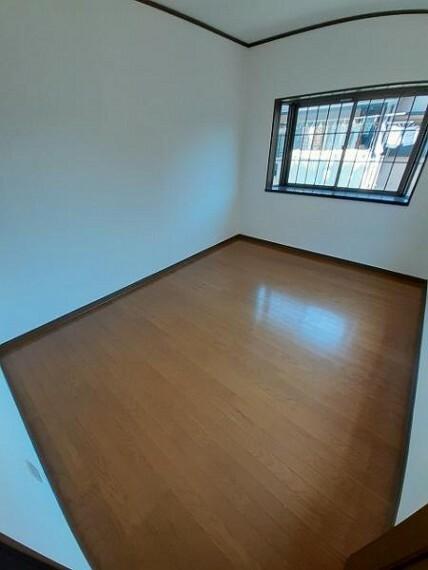 洋室6帖:シンプルなお部屋は自由度が高いので家具やレイアウトでお好みの空間をつくってください!
