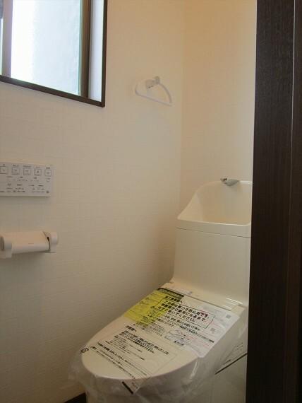 トイレ ウォシュレット機能付きトイレです。