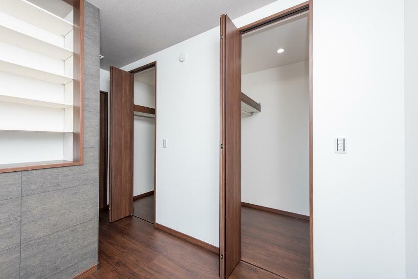 同仕様写真(内観) 寝室にはご夫婦で使い分けできる2つのクローゼットをご用意。