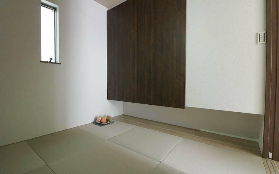 玄関 B号地■1階の和室は客間としてつかったり、趣味のお部屋としてつかったりと活用方法は様々です。