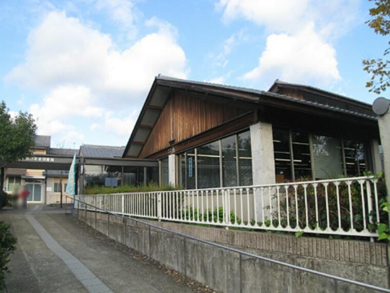 図書館 京都市岩倉図書館