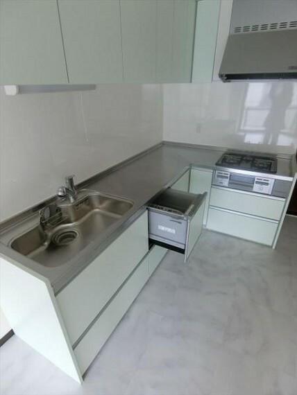キッチン 家事もラクラク。食器洗浄機付き!