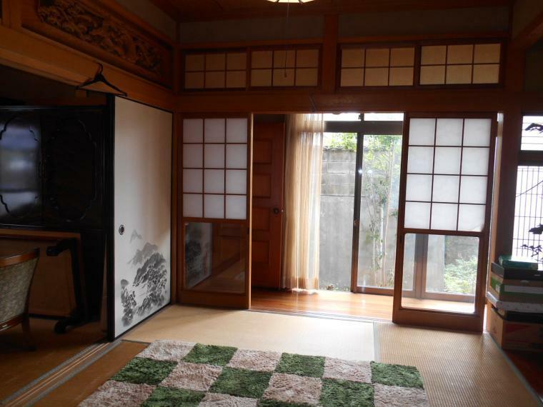 和室 床の間付き広縁に続く和室