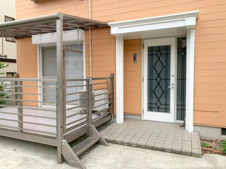 玄関 <2020/5/15撮影>玄関ドアはピッキング対策に優れる2ロック式。