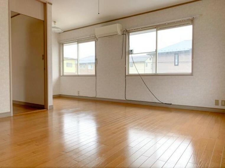 <2020/5/15撮影>10帖の洋室は主寝室としておすすめの広さ。
