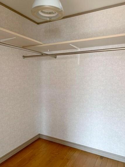 収納 <2020/5/15撮影>10帖の洋室には大容量のクローゼット収納付き。整理整頓に重宝します!