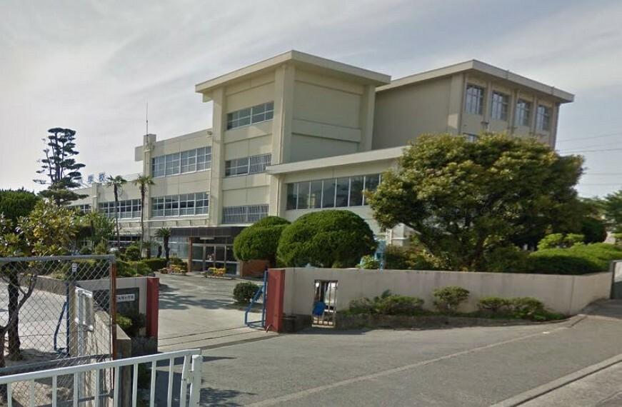 小学校 【小学校】福岡市立七隈小学校まで581m