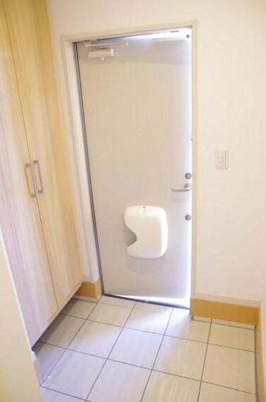 玄関 明るく清潔感のある玄関