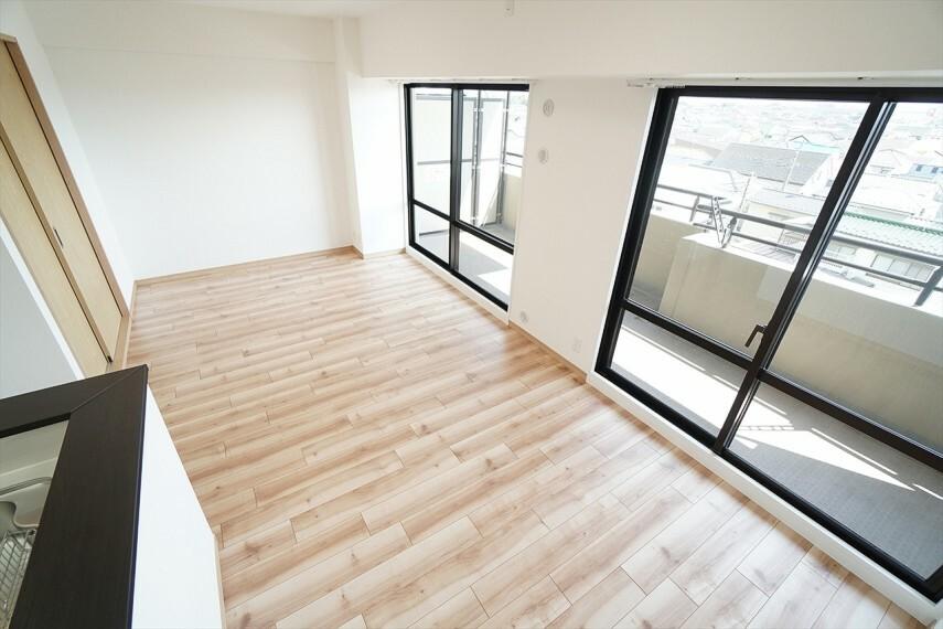 居間・リビング ダイニングスペースと リビングスペースに分けることができます