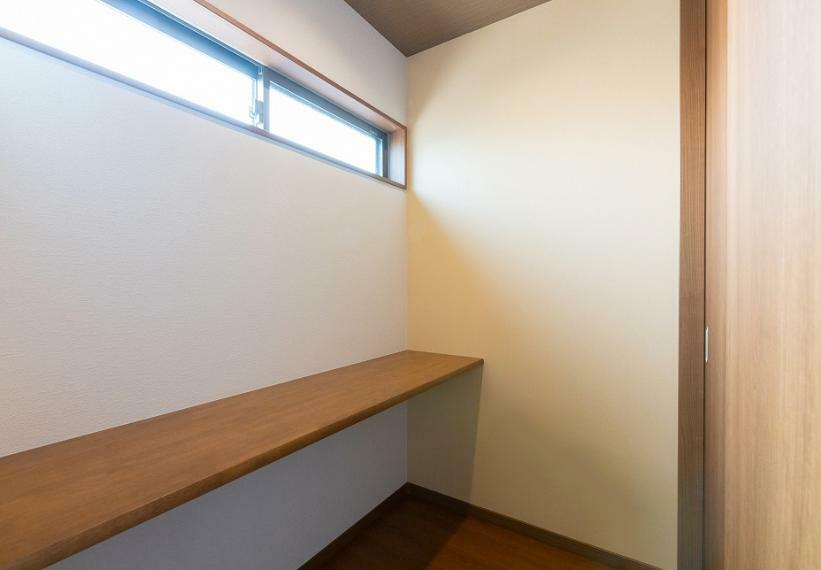 ワークスペースはもちろん、パウダースペースや書斎など多目的に活用可能!在宅勤務も楽しくなりそうです。