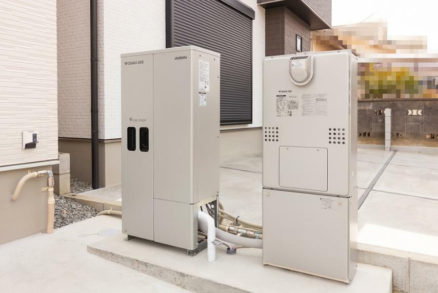 発電・温水設備 ソラエネスマート(太陽光発電システム×エネファーム)を採用した、光熱費を低減できるエコ住宅です。