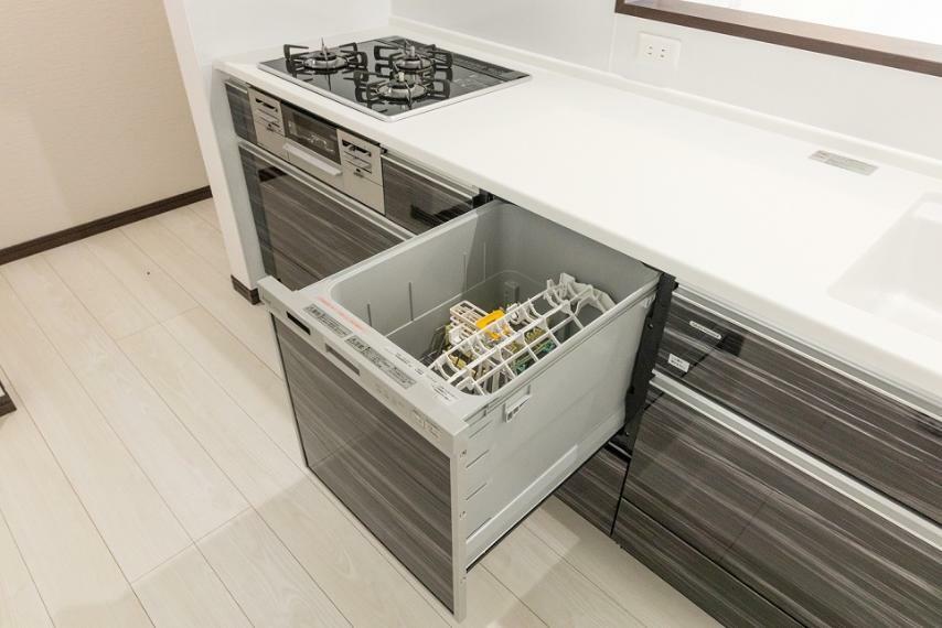 居間・リビング 手荒れを防いでくれて、家事の時短もできて、節水で環境にも優しい食洗機は、いいことづくめです!