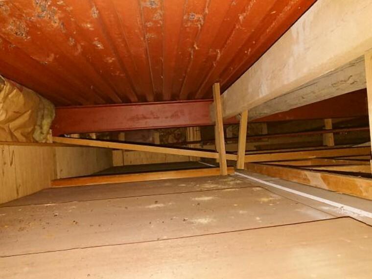 構造・工法・仕様 中古住宅の3大リスクである、雨漏り、主要構造部分の欠陥や腐食、給排水管の漏水や故障を2年間保証します。その前提で床下まで確認の上でリフォームしています。