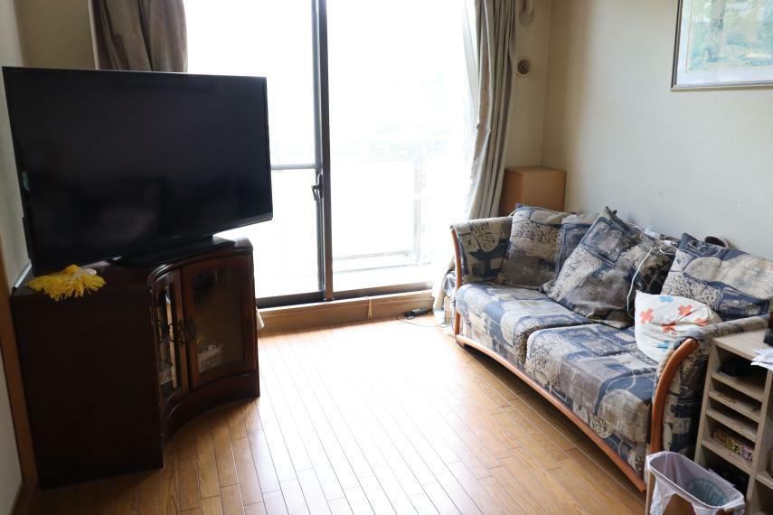 居間・リビング お部屋をつなげて、広々としたリビングに変更することも出来ます。