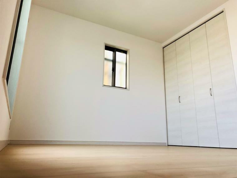 寝室 E号地の洋室-4写真です。