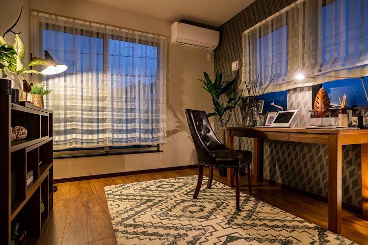 洋室 書斎や趣味部屋としてもお使いいただける洋室です。(モデルハウス20号棟2020年7月撮影)※家具・調度品は販売価格に含まれません。