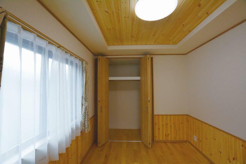 収納 (1号地)居室収納