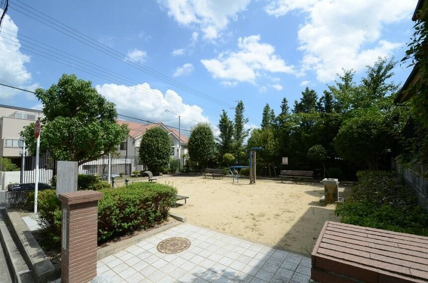 公園 【公園】寿楽荘第2公園まで67m
