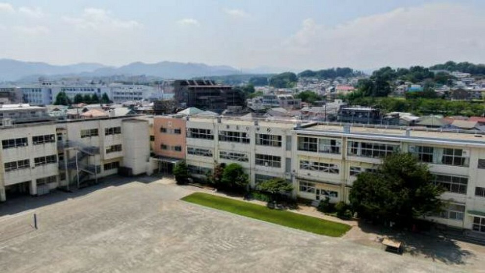 小学校 【小学校】八王子市立第五小学校まで480m