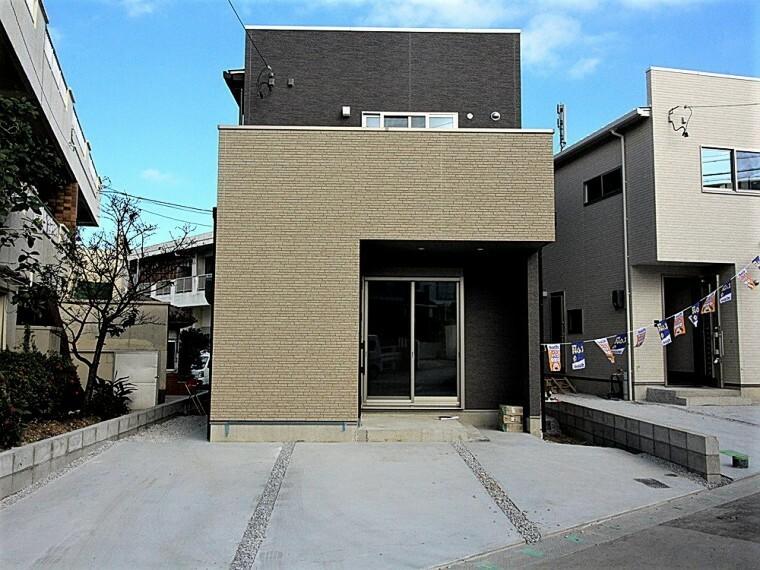 現況外観写真 【新築分譲戸建】完成しました!首里駅徒歩7分!建物面積94.39平米!駐車場2台分あり!