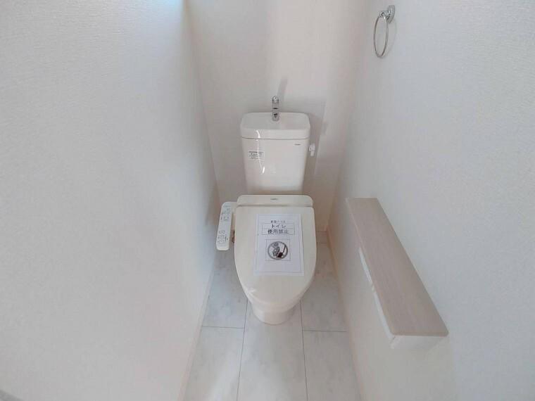 トイレ 2階にもトイレが設置されているので2階居室からわざわざ1階まで降りる必要はありません。
