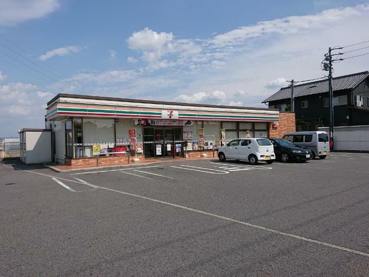コンビニ セブンイレブン岡崎若松町店  近くにあると便利なコンビニも徒歩圏内