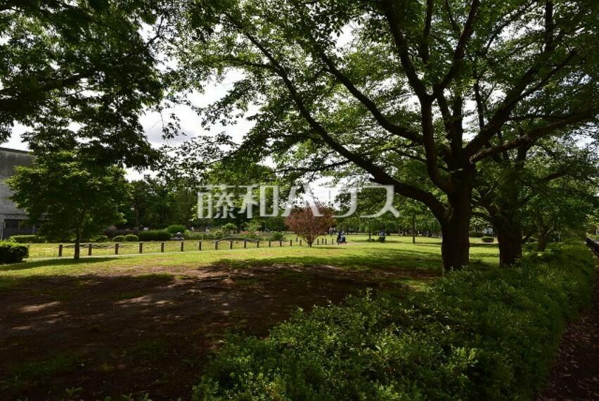 公園 東大和南公園 徒歩3分の地にある大きな公園です