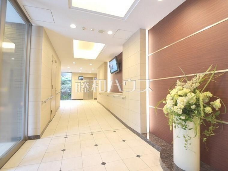 エントランスホール メインエントランス~エレベーターホールまでの通路【ポレスター玉川上水】