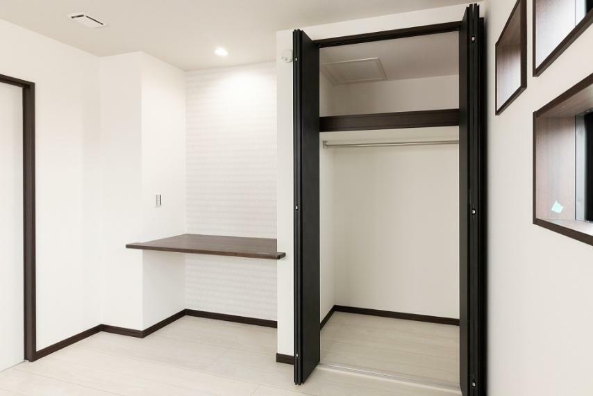 洋室 全居室Low-Eガラス仕様。夏は涼しく、冬は暖かいですよ。
