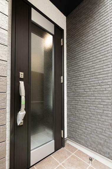 玄関 おうち時間が楽しくなる快適空間をご提供致します!ぜひご家族でアズマハウスにお越しくださいね。
