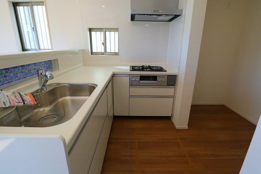 キッチン キッチン  使い勝手の良いカウンターシステムキッチン  食洗機付き