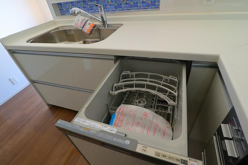 食器洗浄乾燥機  キッチンには嬉しい食洗機付き  家事がはかどりそうです