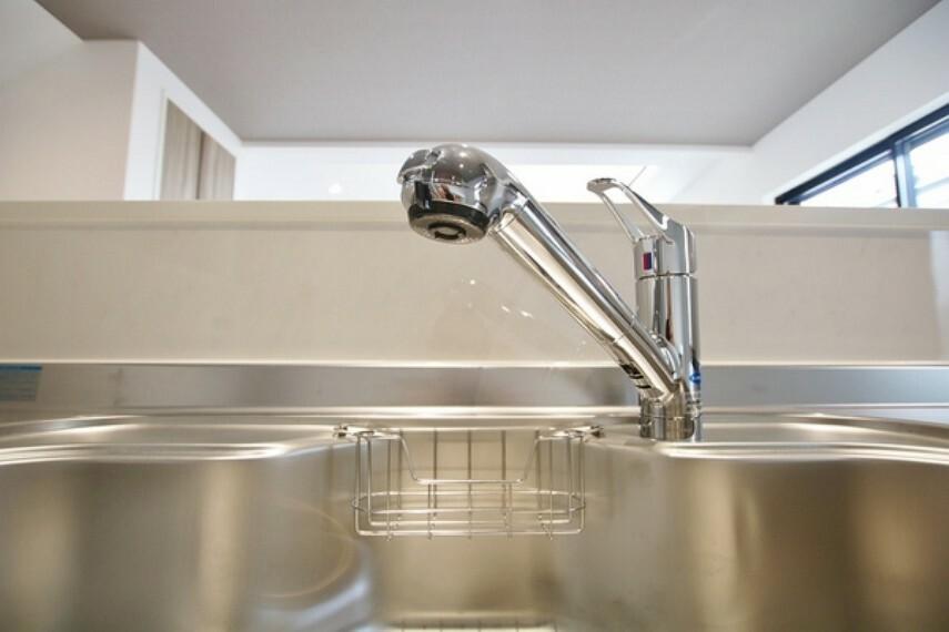 キッチン 浄水器一体型水栓付きシステムキッチン