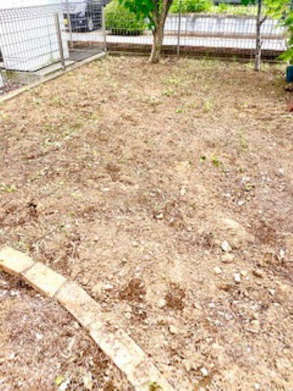 庭 お庭の草刈りもしっかりしてあります