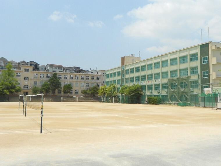 中学校 【中学校】西代中学校まで780m