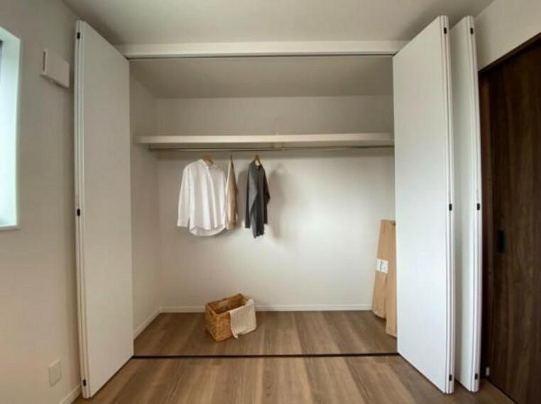 同仕様写真(内観) \同社施工例/各居室収納付きで、便利です!