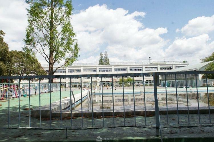 小学校 杉並区立高井戸第二小学校 徒歩12分。