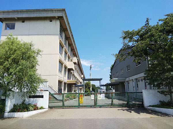 小学校 広谷小学校(700m)